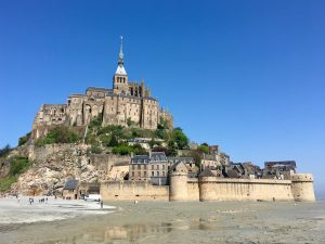 Mont-Saint-Michel with dog