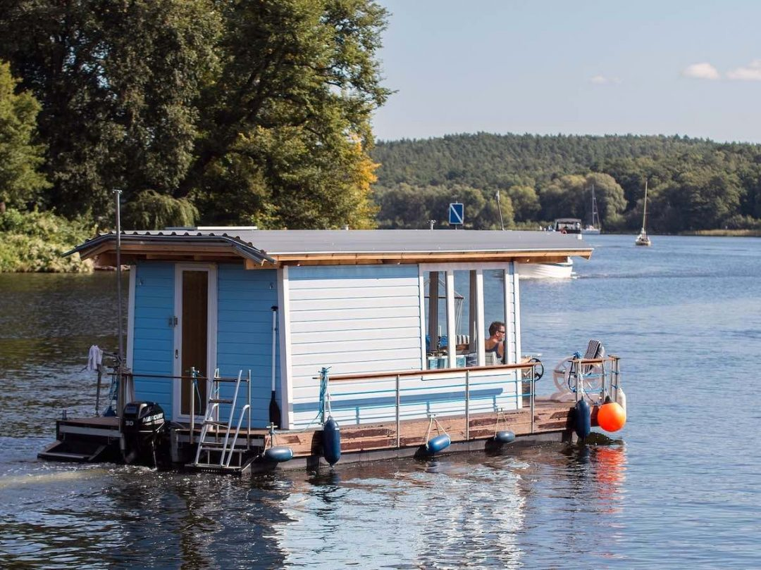 Dog Friendly Houseboats