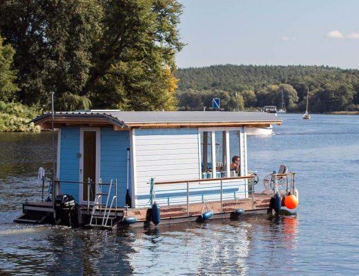 Dog Friendly Houseboats